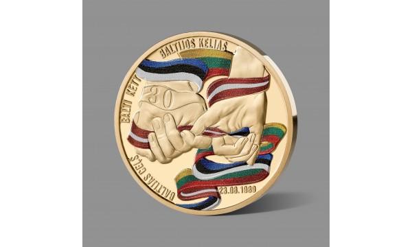 Baltijos kelio 30-mečiui skirtas paauksuotas medalis